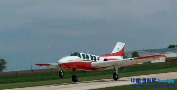 这是湖北省通用航空飞机制造企业首次签订飞机